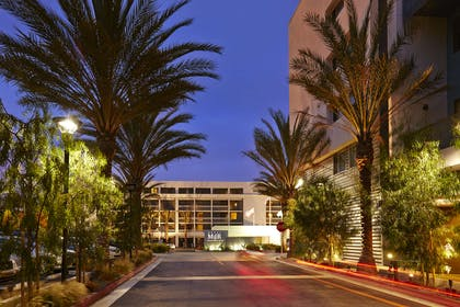 Exterior   Hotel MDR Marina del Rey - a DoubleTree by Hilton