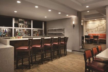 BarLounge | Embassy Suites by Hilton Temecula Valley Wine Country