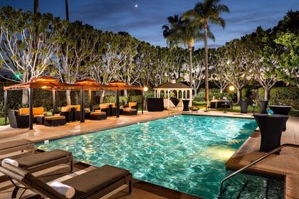 Pool | Doubletree By Hilton Hotel Carson