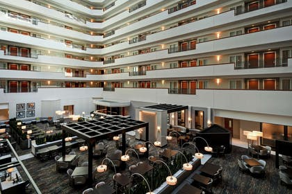 Lobby   Embassy Suites by Hilton Little Rock