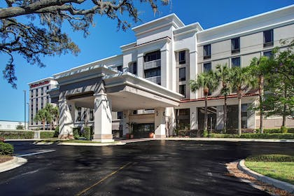 Exterior | Hampton Inn & Suites Lake Mary At Colonial Townpark