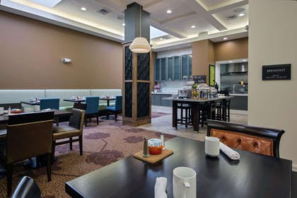 Breakfast Area | Hilton Garden Inn Lincoln Downtown/Haymarket