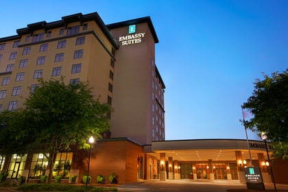 Exterior | Embassy Suites by Hilton Lincoln