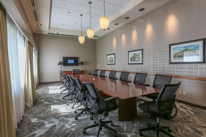 Meeting Room | DoubleTree by Hilton Hotel Bay City - Riverfront