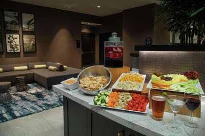 BarLounge | Embassy Suites by Hilton Orlando Airport