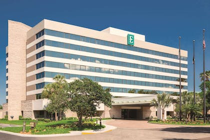 Exterior | Embassy Suites Orlando International Drive I Drive 360