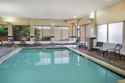 Pool | Hilton Garden Inn Chicago/Midway Airport