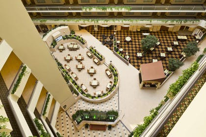 Lobby | Embassy Suites Secaucus - Meadowlands