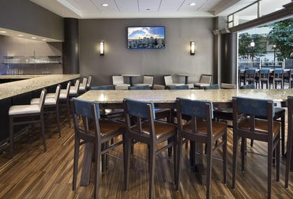 BarLounge | Embassy Suites Secaucus - Meadowlands