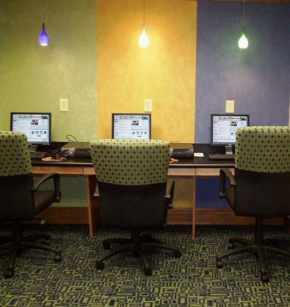 Business Center | DoubleTree by Hilton Hotel Memphis
