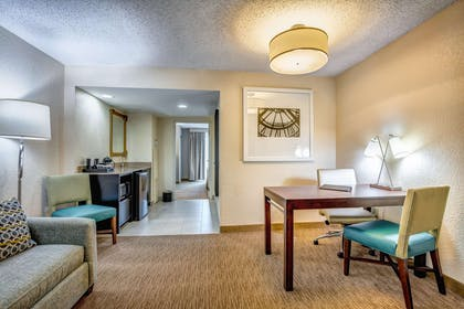 Lobby | Embassy Suites by Hilton Memphis