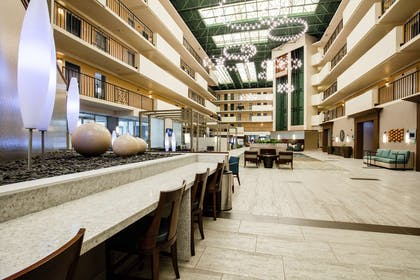 Lobby   Embassy Suites by Hilton Memphis
