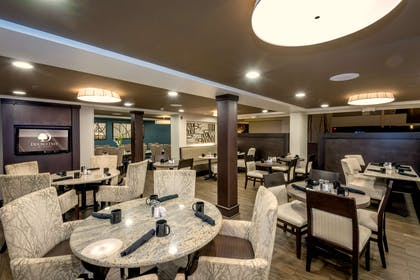 Restaurant | Doubletree by Hilton Hotel Montgomery Downtown