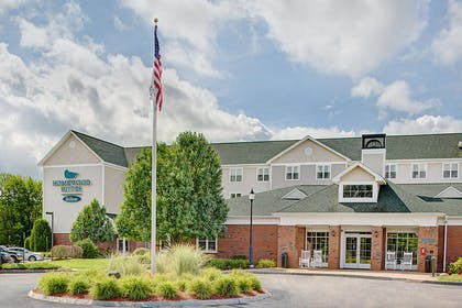Exterior | Homewood Suites by Hilton Manchester/Airport