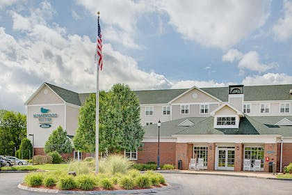 Exterior   Homewood Suites by Hilton Manchester/Airport