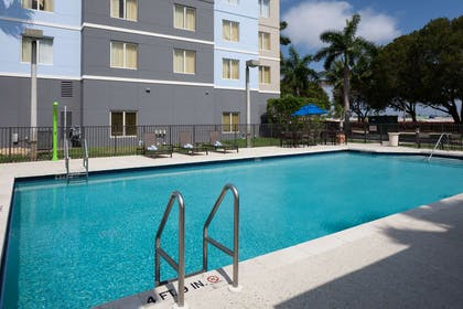 Pool | Homewood Suites by Hilton Miami-Airport/Blue Lagoon