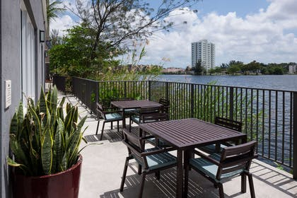 Exterior | Homewood Suites by Hilton Miami-Airport/Blue Lagoon