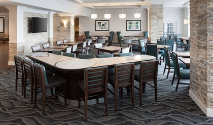 Restaurant | Homewood Suites by Hilton Miami-Airport/Blue Lagoon