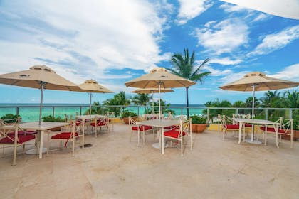Restaurant | DoubleTree Resort & Spa by Hilton Hotel Ocean Point - North Miami Beach