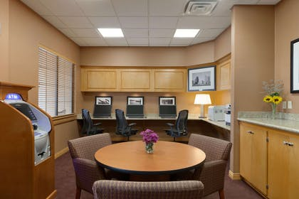 Business Center | Embassy Suites by Hilton Kansas City International Airport
