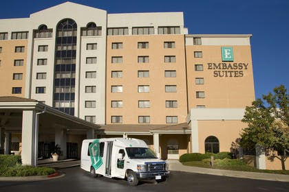 Exterior | Embassy Suites by Hilton Kansas City International Airport