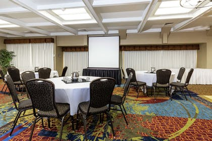 Meeting Room | Embassy Suites by Hilton Kansas City Plaza