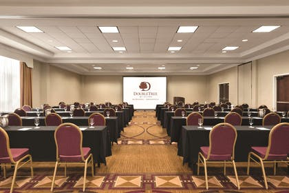 Meeting Room | DoubleTree by Hilton Hotel Milwaukee - Brookfield