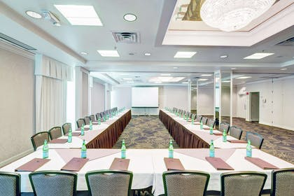 Meeting Room | DoubleTree by Hilton Hotel Milwaukee Downtown