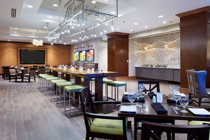 Restaurant | Hilton Minneapolis - St. Paul Airport