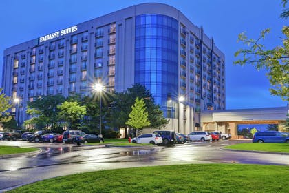 Exterior   Embassy Suites by Hilton Minneapolis Airport