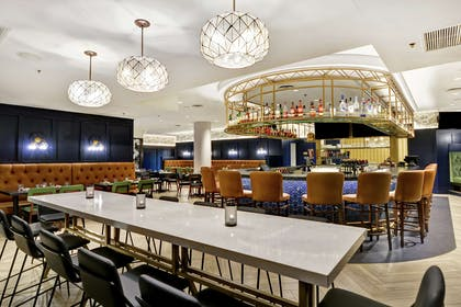 BarLounge   Embassy Suites by Hilton Minneapolis Airport