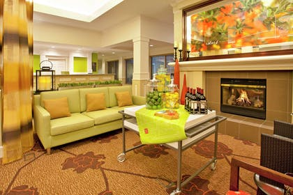Lobby | Hilton Garden Inn Minneapolis/Eden Prairie