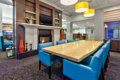 Lobby | Hilton Garden Inn Minneapolis - Maple Grove