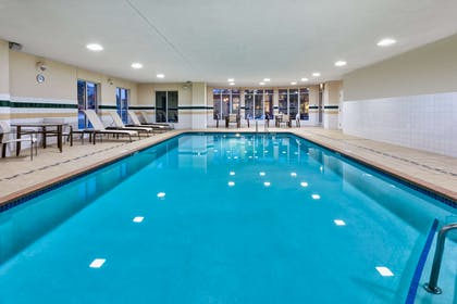 Pool | Hilton Garden Inn Minneapolis - Maple Grove