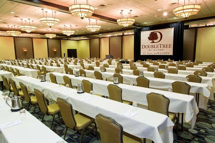 Meeting Room | DoubleTree by Hilton Hotel St Paul Downtown