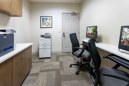 Business Center | Hilton Garden Inn Minneapolis St. Paul-Shoreview