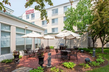Restaurant | Hilton Garden Inn Minneapolis St. Paul-Shoreview