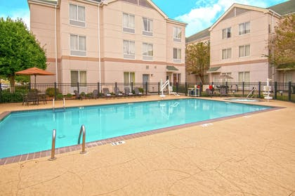 Pool | Hilton Garden Inn New Orleans Airport