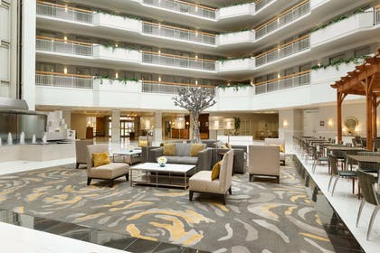 Lobby | Embassy Suites by Hilton Newark Wilmington South