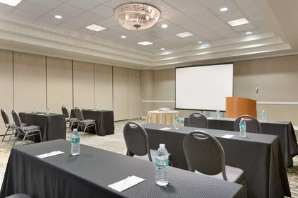 Meeting Room | Embassy Suites by Hilton Newark Wilmington South