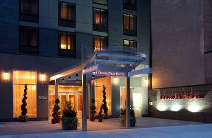 Exterior | DoubleTree by Hilton New York City - Chelsea