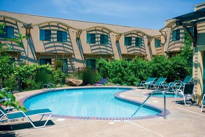 Pool | DoubleTree by Hilton Hotel & Spa Napa Valley American Canyon