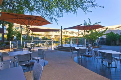 Restaurant | DoubleTree by Hilton Hotel & Spa Napa Valley American Canyon