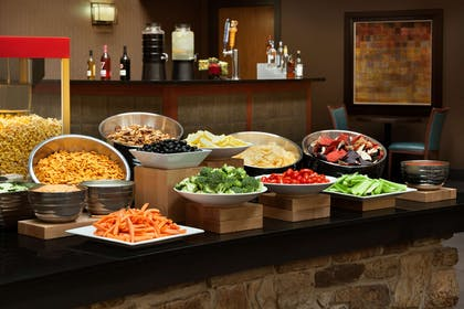 BarLounge | Embassy Suites by Hilton Oklahoma City-Will Rogers World Airport