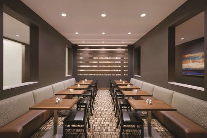 Restaurant | Embassy Suites by Hilton Oklahoma City Downtown Medical Center