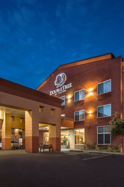 Exterior | DoubleTree by Hilton Hotel Olympia