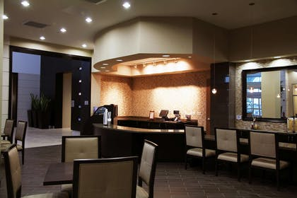 Restaurant | Embassy Suites by Hilton Ontario Airport