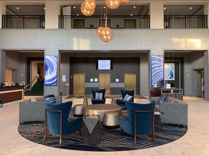 Lobby | DoubleTree Suites by Hilton Htl & Conf Cntr Downers Grove