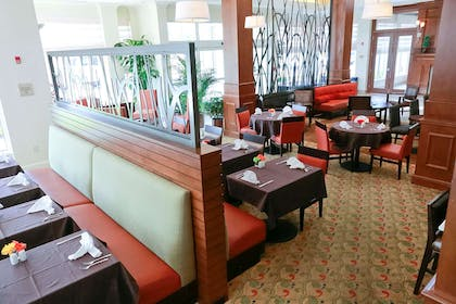 Restaurant | Hilton Garden Inn Devens Common