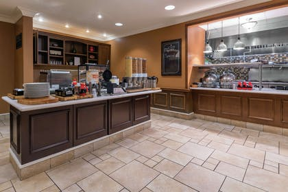 Breakfast Area | Hilton Garden Inn Devens Common